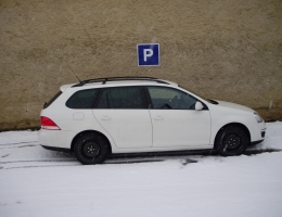 VW Golf 5 combi instalace protislunecni a bezpecnostni autofolie Llumar 300µm+100µm