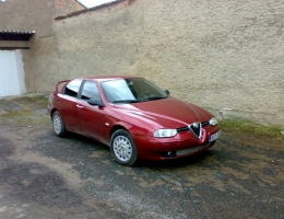 Alfa Romeo 156 s instalovanymi protislunecnimi autofoliemi Llumar AT5,15