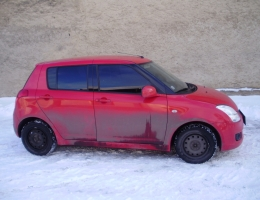 Suzuki Swift instalace protislunecni autofolie Llumar AT15